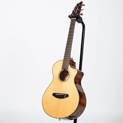 Breedlove Discovery Companion CE Acoustic-Electric Guitar - Sitka Spruce