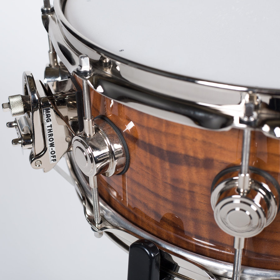 """View larger image of DW Limited Exotic German Walnut Snare Drum - 5-1/2"""" x 15"""""""