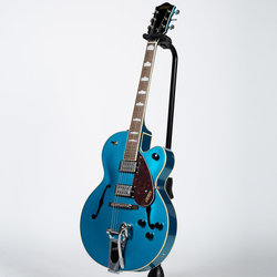 Gretsch G2420T Streamliner Electric Guitar - Riviera Blue