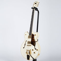 Gretsch G6609TG Players Edition Broadkaster Center Block Electric Guitar - Vintage White
