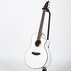Breedlove Discovery Concert CE Acoustic-Electric Guitar - Satin White