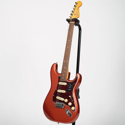 Fender Player Plus Stratocaster - Pau Ferro, Aged Candy Apple Red