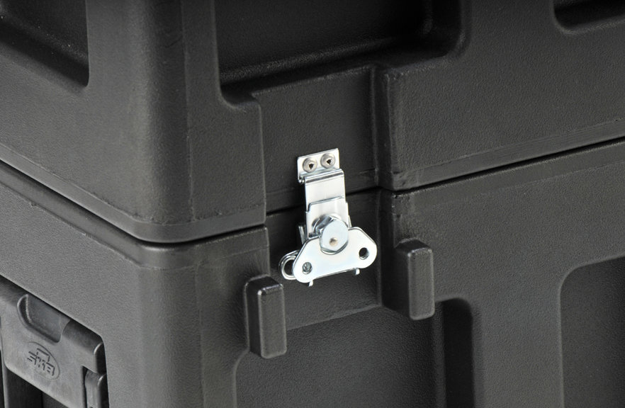 View larger image of SKB LCD Screen Case for 20-26 LCD Screens - Small