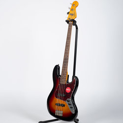 Squier Classic Vibe '60s Jazz Bass - Laurel, 3-Color Sunburst