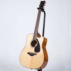 Yamaha FGX800C Dreadnought Cutaway Acoustic-Electric Guitar - Natural